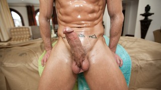 RUB HIM - Beefcake Daddy Trace Miacheals Gives Kevin Crows A Massage