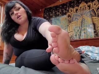 Bbw foot tease and jerk off encouragement...