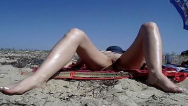 Real amateur wife flashing pussy voyeur public beach