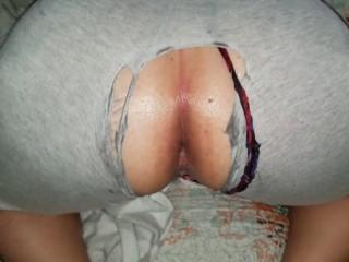 Pornhub pawg has wet pussy...