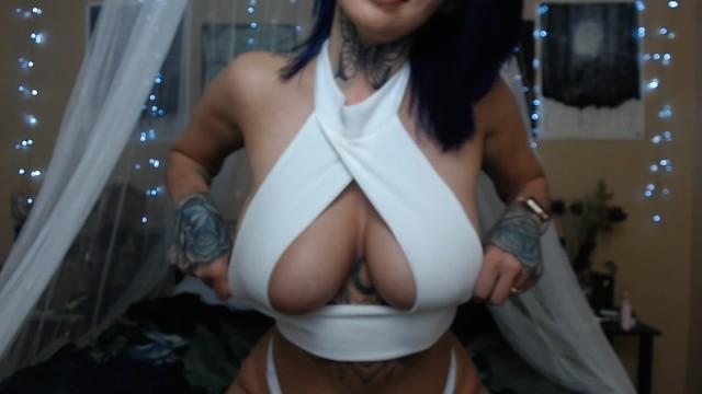 tshirt try on tit play