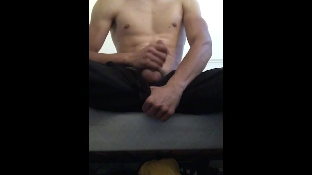 Hottest Young Man Wanking!!