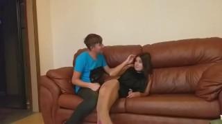 Зрелая милфа пришла к бойфренду, а встретил другой (полная русская версия)