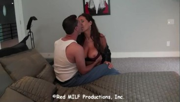 Rachel Steele MILF1095 - Sexy Milf Rachel seduces young Handy Man