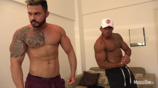 Double muscle worship