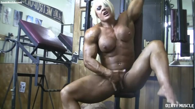 Pumped big clit video Lisa cross pumps her huge muscles and her swollen clit just for you