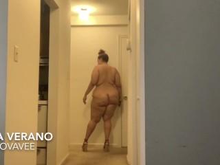 BBW Jiggling Catwalk