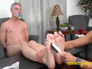 Latino hunk tickling daddys feet castro covington...