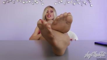 Todays Treat is Pantyhose Feet - Nikki Ashton -