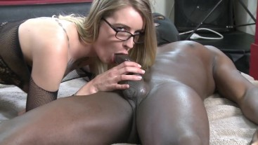Melody Pleasure has a interracial fanfuck