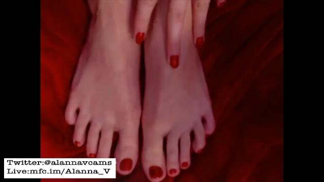 Big Ass;Babe;Feet;Verified Amateurs;Solo Female butt, foot-fetish, feet, big-feet, big-feet-worship, long-toes
