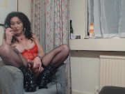 Transexual gilf wanking while talking dirty on the phone and cumming Boobs Ellen Houston