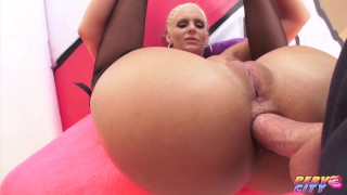 PervCity-Phoenix-Marie-anal-blowjob-threesome-with-Mike-Adriano