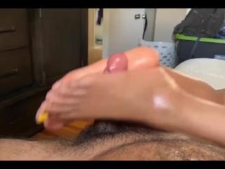 Yellow toes footjob