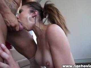 This girl wants to tear her pussy in...