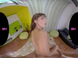 18VR Petite Teen Gina Latina Is Very Lustful In The Morning