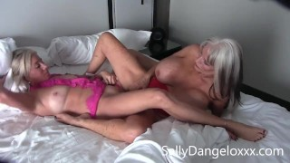 mature porn girls eating pussy for breakfast