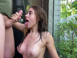 Babe Made a Great Blowjob In The Shower - Сum On Face