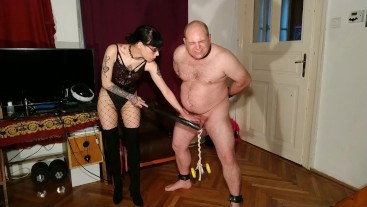 Beth Kinky - Sexy goth domina cbt and belly punch her slave pt2 HD