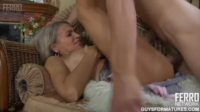 Mother son erotic sotry - Страстный инцест мамы и сына во всех позах, пока нет бати