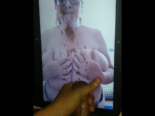 Quick Cumtribute To A Busty Milf