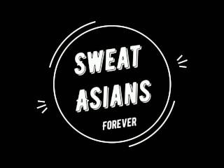 Азиат трахает в рот русскую