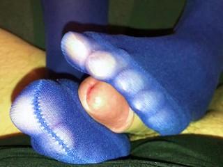 33 sexy milf blue tights on legs...