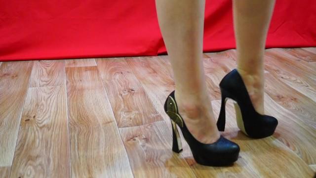 Amateur;Feet;Russian;Exclusive;Verified Amateurs;Solo Female kink, legs, feet-fetish, foot, amateur, fetish, mature, russian, foot-worship, heels, high-heels