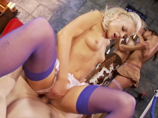 Small tits hot blonde anna goes to museum...