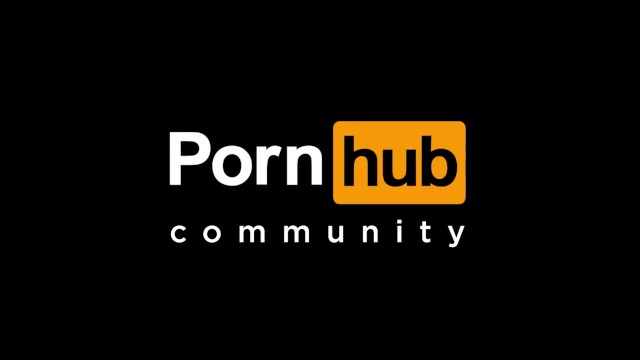 Quick Masturbation w/ Family In The
