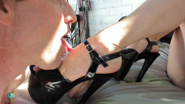 Busty dusty high heels Dusty worships peppermints feet in high heels