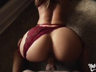 She Seduces And Makes Me Cum Inside Her- amateur couple NoFaceGirl