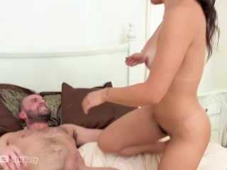 Trickery – Brooklyn Gray Surprises Stranger With Morning Sex
