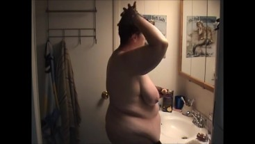 BBW naked coloring hair showing off sagging boobs big butt - Not HD