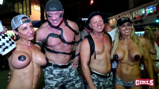 Fantasy fest 2007 nude pics - Flashing street sluts fantasy fest 2019