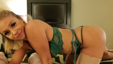 Madelyn Monroe Bangs A Lucky Fan In Vegas