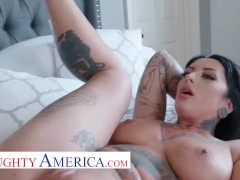 Naughty America Jessie Lee Drills A Big Cock