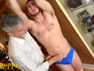 Tickling straight jock toby springs manpuppy...