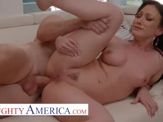 Naughty America – Jennifer White loves to get Anal Fucked