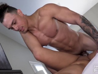 Fucks Ass Titty video: Aesthetic Handsome American Bodybuilder FUCKS Big Ass & Titty Teen