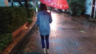 Barefoot Girl Walking in the City in the Rain Barefoot Fetish - Nina Yo