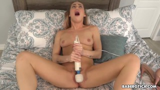 Solo blonde, Carter Cruise is using a vibrator, in 4K