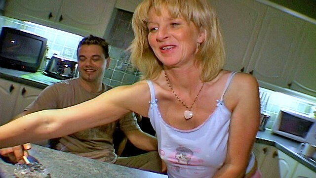 Yorkshire female escorts - Linda and paul from yorkshire