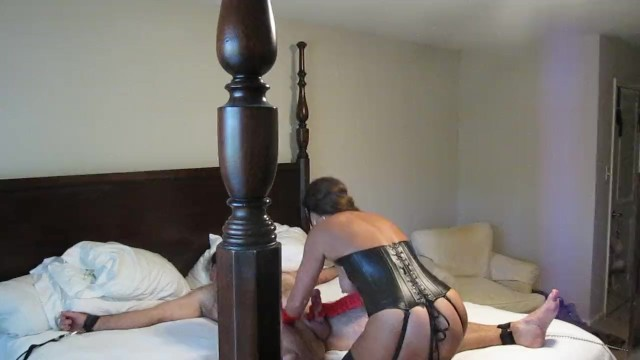 Dominatrix milf - Dominatrix milf ties down sex slave and describes wanting other cocks