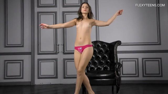 Kim Nadara hot naked splits on couch 14