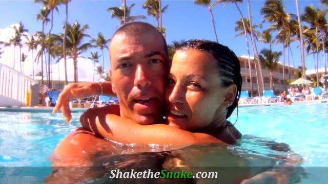 Shake The Snake - Cute Milf Amy Lee Fucked in Vacations 19
