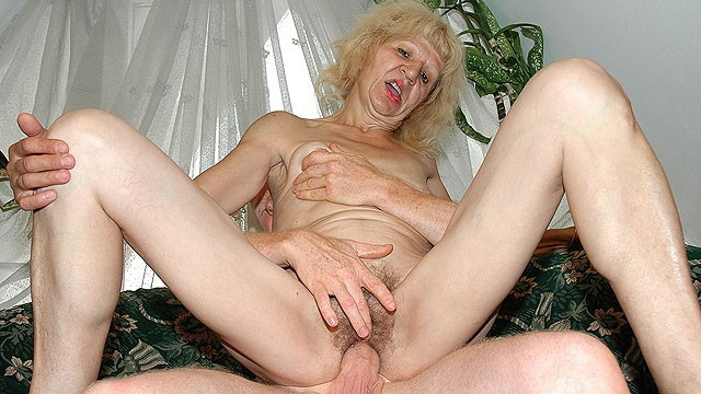 Granny sucking dicks - Ugly 83 years old mom big cock fucked