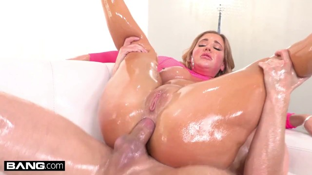 Gonzo stripper vid Bang surprise - savannah bond gets her big ass fucked anal
