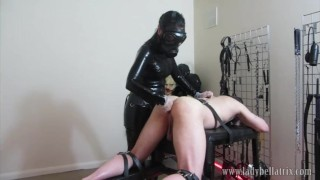 Extreme Ass Play - loser slave meets Heavy Rubber Dominatrix in Gas Mask