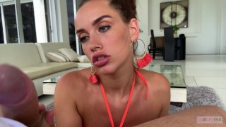 Blowjob From a Girl With Beautiful Eyes and a Wonderful Smile. 4K - POV.